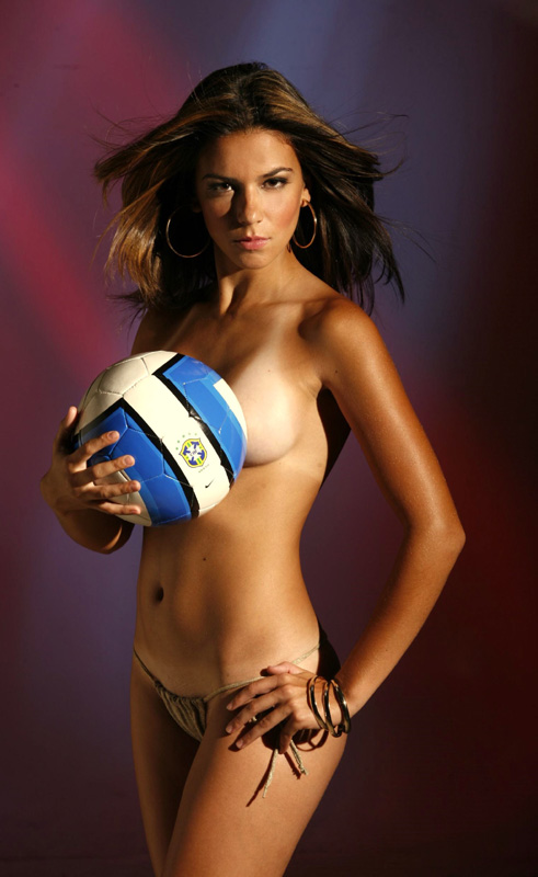 brazil-women-soccer-naked